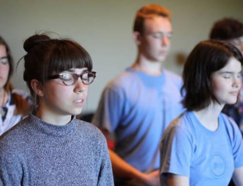 La auto-compasión mejora el bienestar de los adolescentes… y de toda la familia